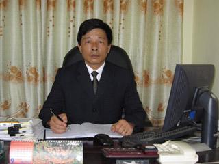 Giám đốc xí nghiệp thông tin tín hiệu điện Yên Lào